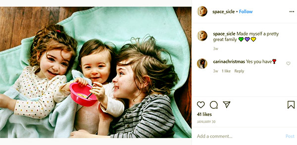 Image of Caption: Alex Aniston's son and 2 daughters