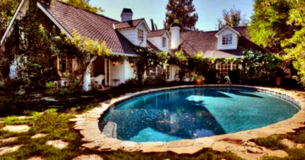 Image of Caption: Son of Anarchy and his wife, Molly bought a house in Woodland Hills in 2013