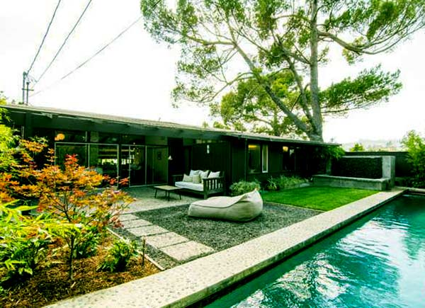 Image of Caption: Nicky and his Fiance sold their Los Angeles home in 2014