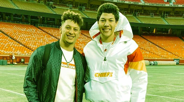 Image of Jackson Mahomes: Is He Gay or dating to Girlfriend. Facts About Patrick Mahomes' Brother