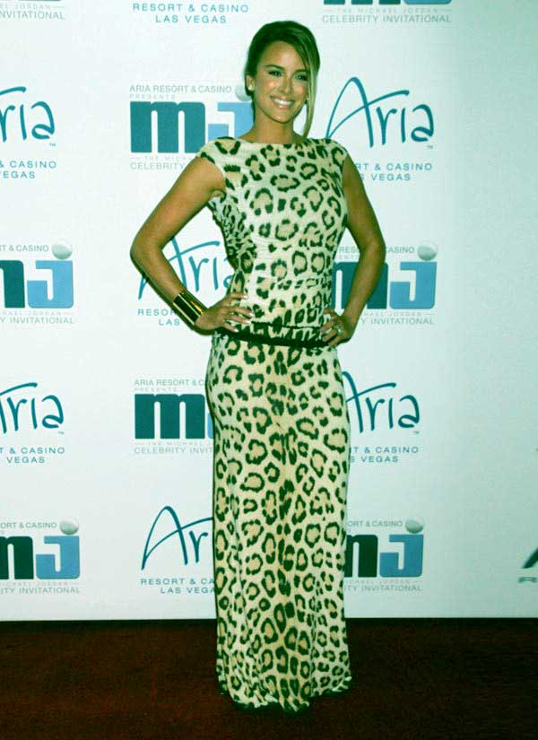 Image of Yvette Prieto height is 5 feet 6 inches