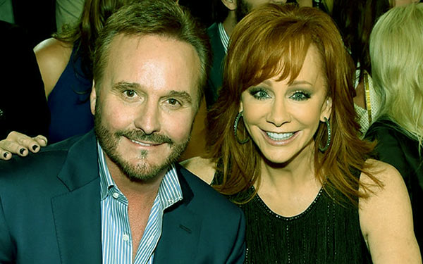 Image of Narvel Blackstock and Reba McEntire at the 2015 Country Music Awards