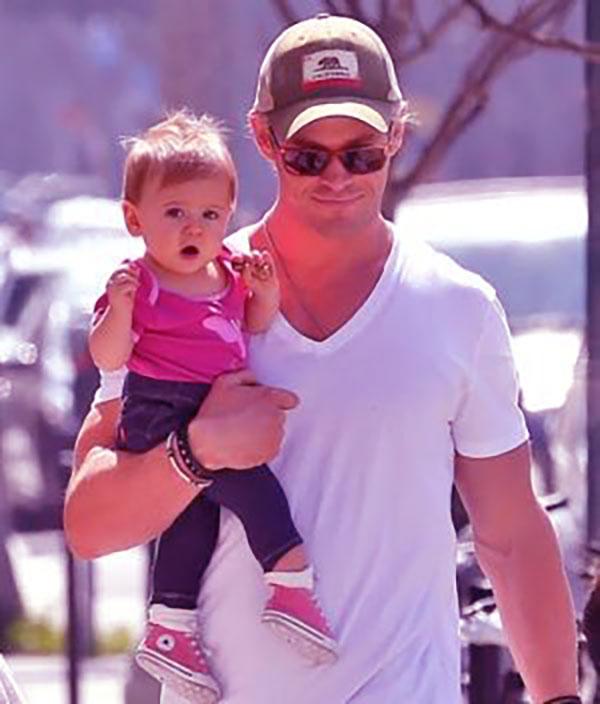 Image of Chris Hemsworth with his son, Tristan Hemsworth