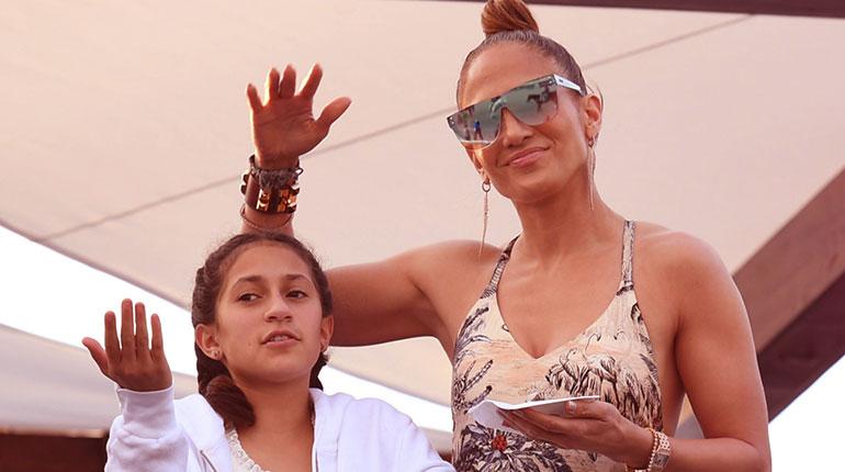 Image of Emme Maribel Muñiz wikipedia: age, school, parents, siblings of Jennifer Lopez's daughter